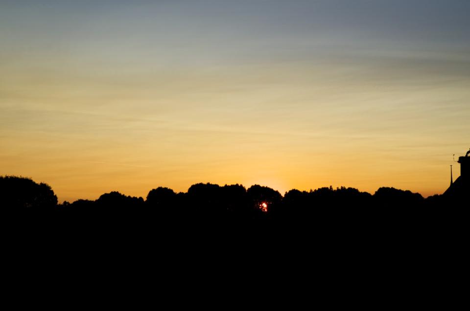 Sonnenuntergang über dem Zoo in Karlsruhe